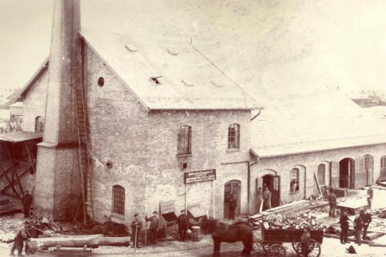 Hillerød Savværk med arbejdere omkring 1900