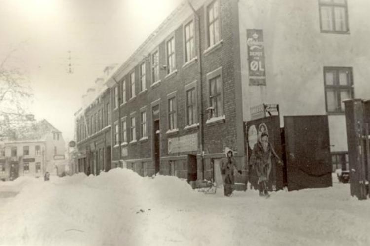 Vinterbillede fra Møllestræde ca 1942