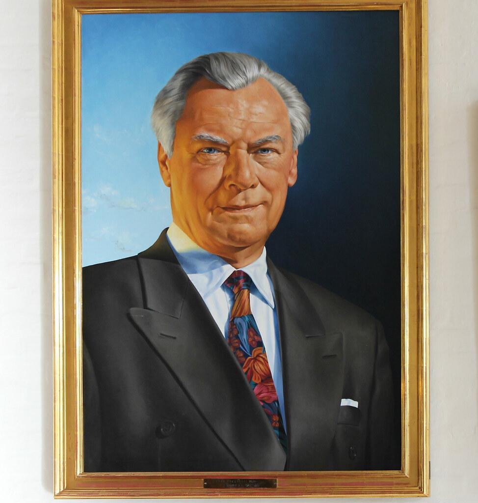 Portræt af Poul Schlüter