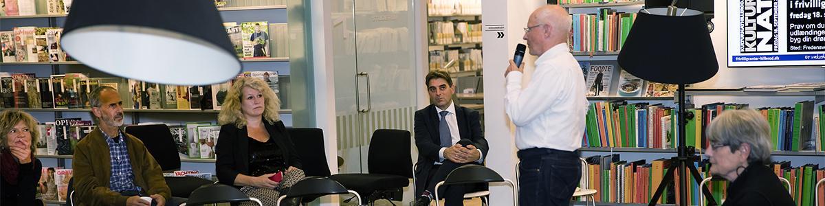 Stemningsbillede fra foredrag i Torsdagscaféen