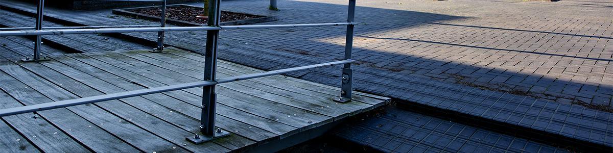 Kørestolsrampe ved Hillerød Bibliotek