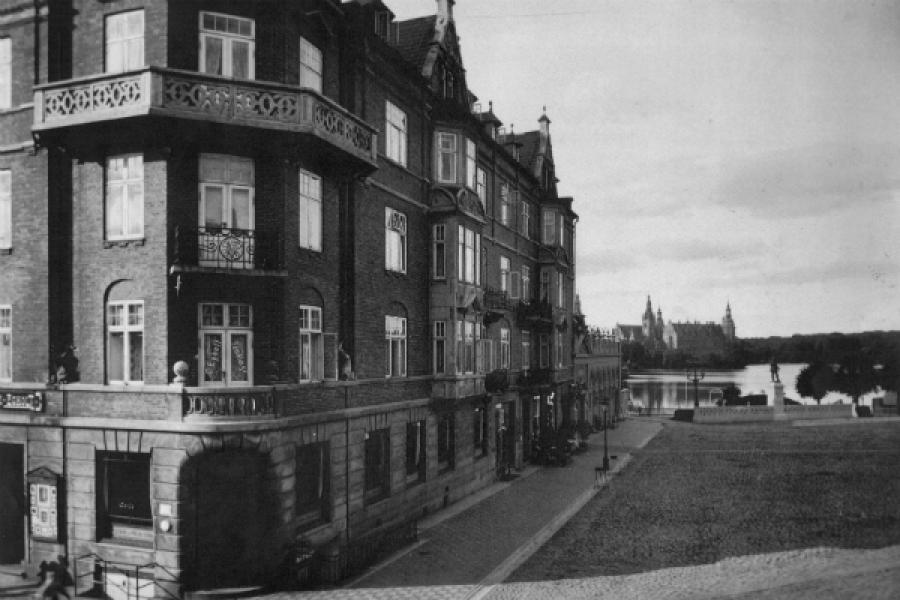 Torvet Bankbygningen 1923