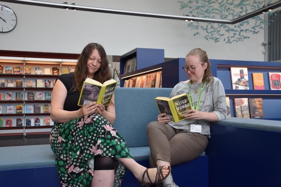 Veninder læse bøger sammen