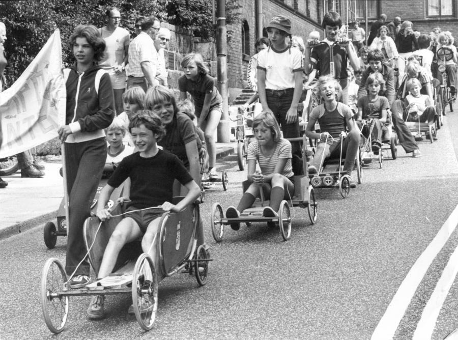 Sæbekassevognsoptog fra HGIs sommerfest, 1978.