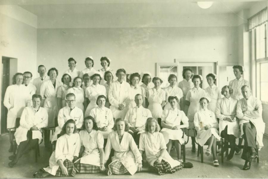 Læger og sygeplejesker, Frederiksborg Amts Sygehus ca. 1943